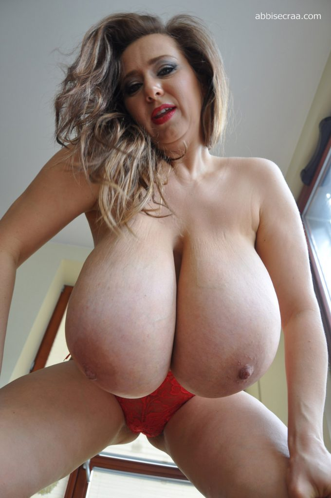Abbi Secraa My Red Bra