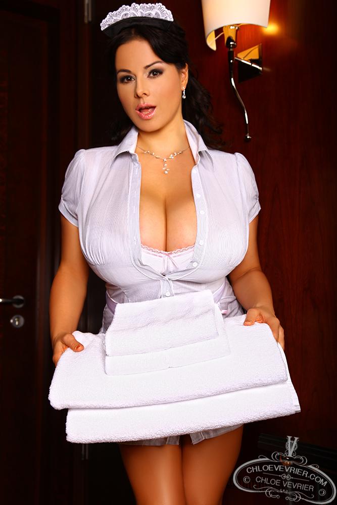 Chloe Vevrier Room Service - Curvy Erotic