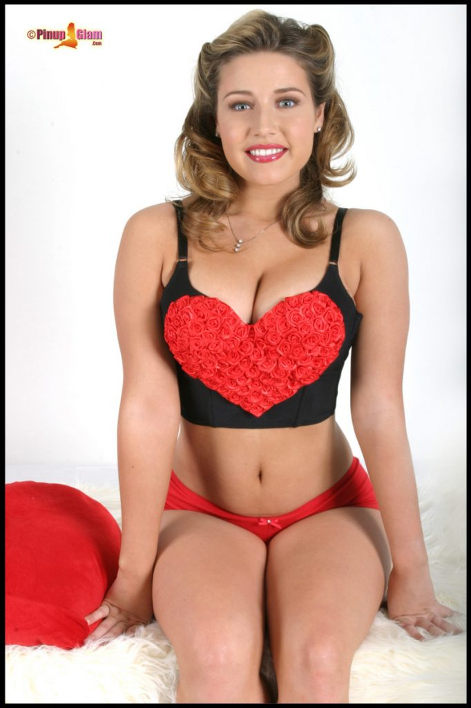 Erica Campbell Hearts Lipstick and Curves Pinupfiles