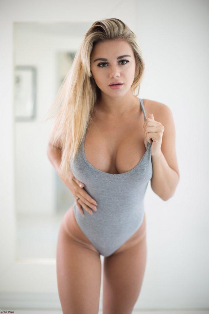 Nude girl fuck in garden images