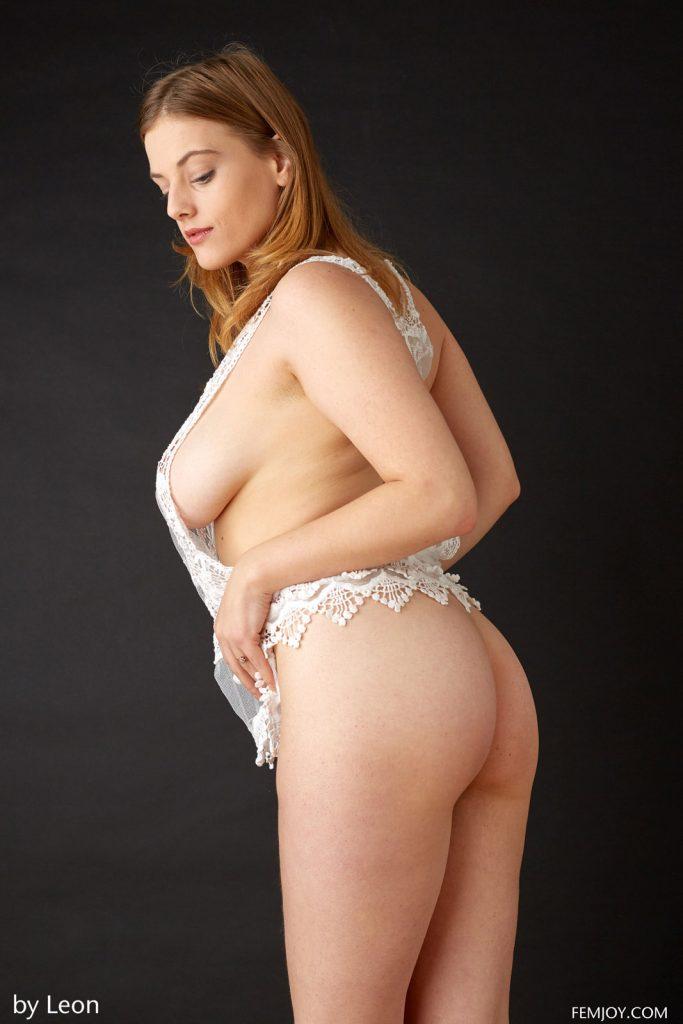 Delina G Voluptuous Nudes Femjoy