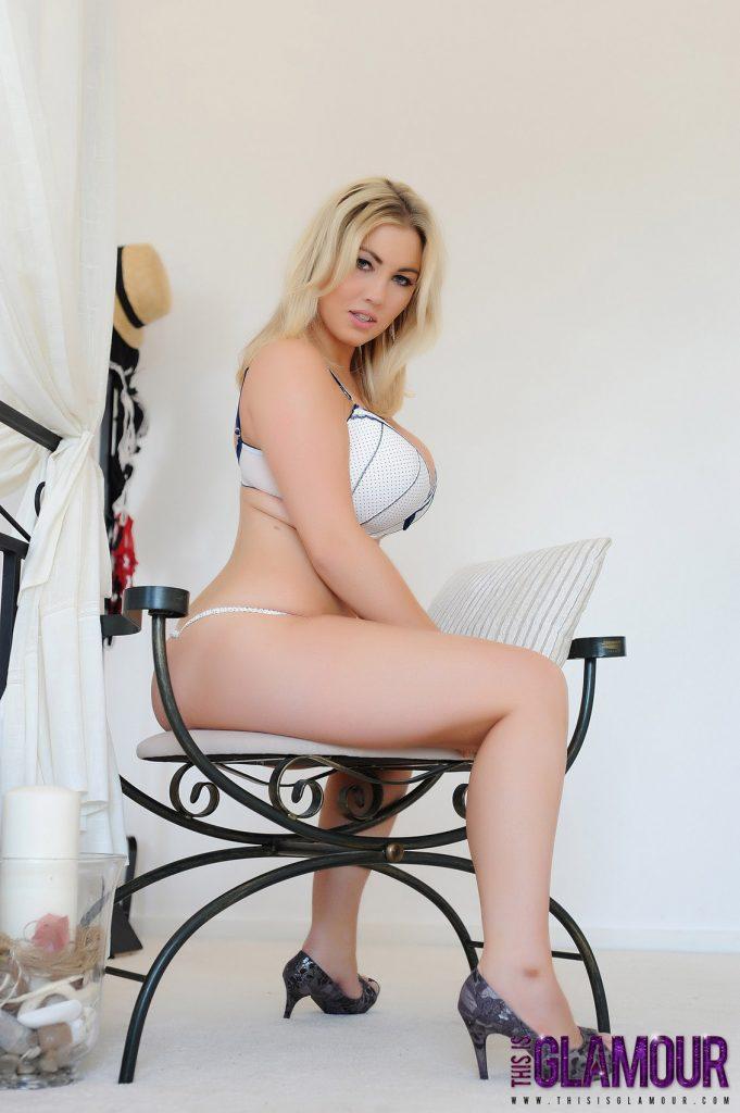 Lyla Ashby Strips Nude In Bedroom 3