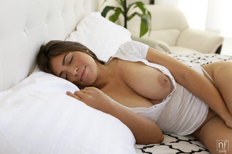 Ella Knox Wake Up Horny Nf Busty