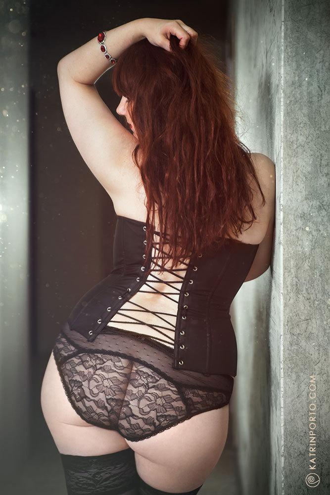 Katrin Porto Thick Corset Curves