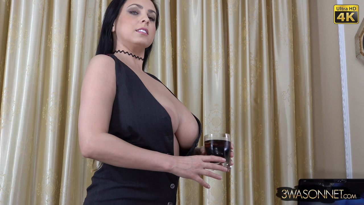 Ewa Sonnet Desktop Striptease