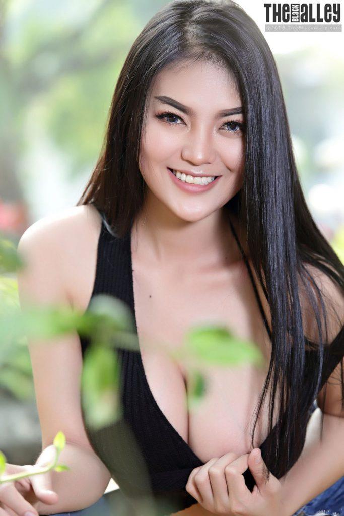 thai model nude