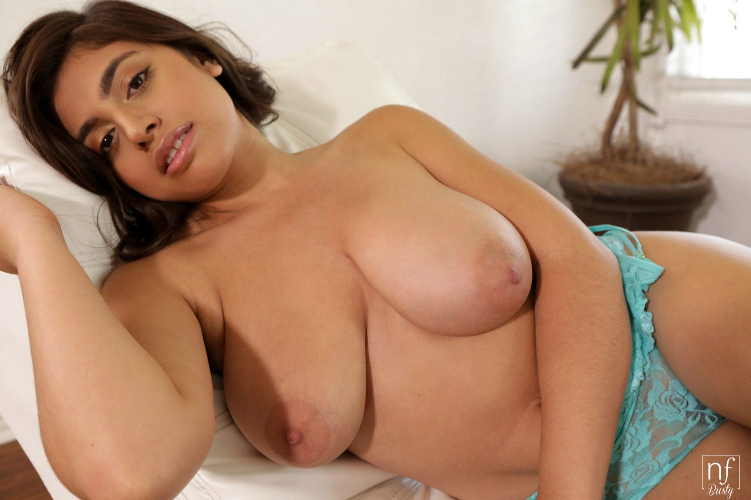 Ella Knox Bare Naked Beauty NF Busty