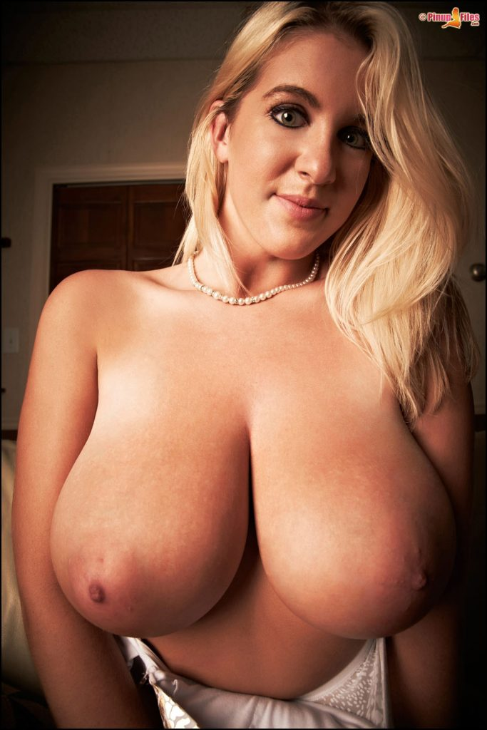Rockell Starbux Big Boobs Pinupfiles