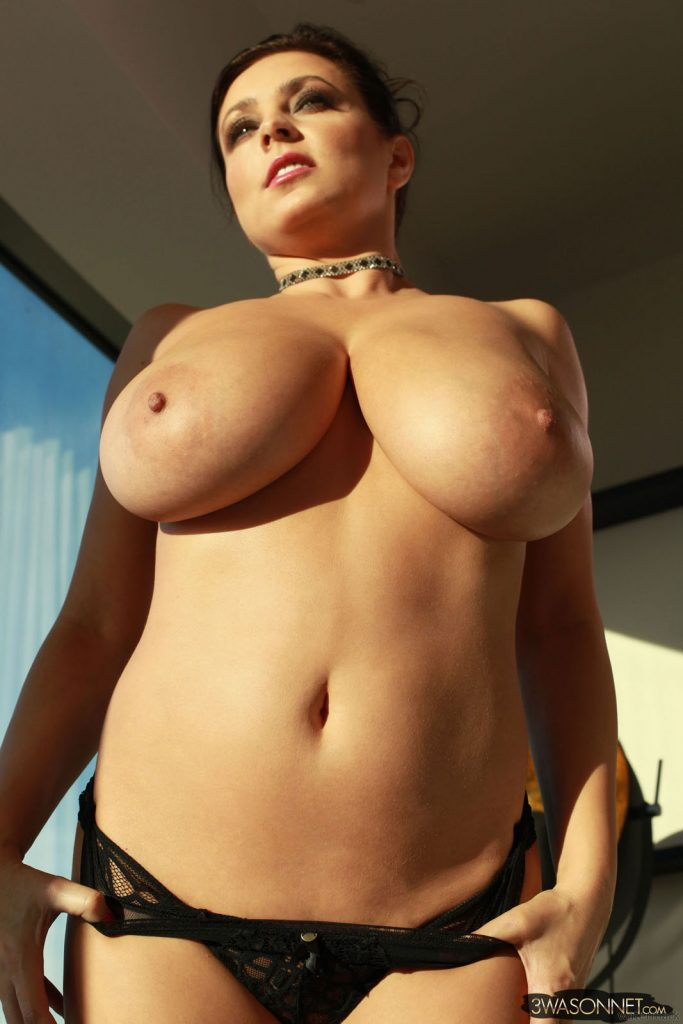 Ewa Sonnet Growing Boobs