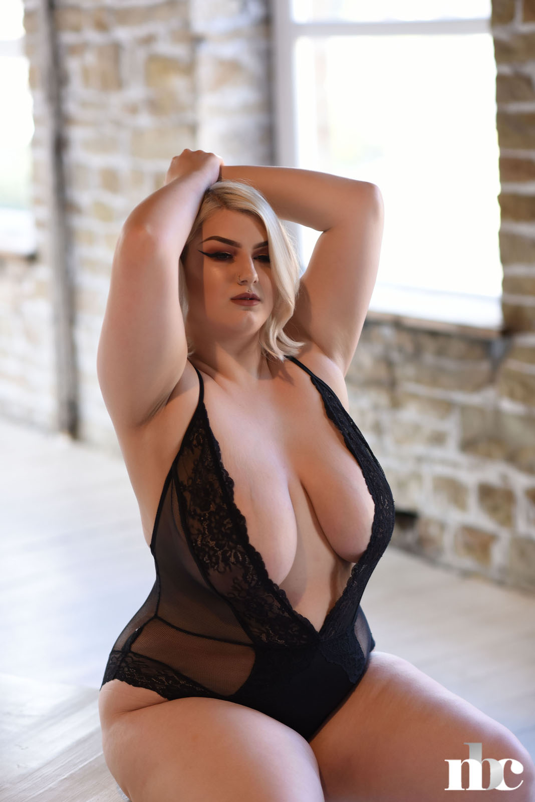 Peaches Nothing But Curves - Curvy Erotic