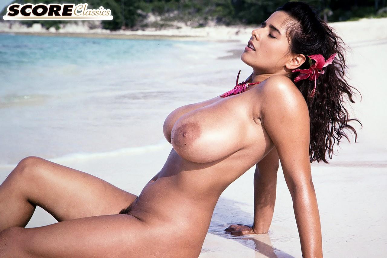 chloe vevrier nude