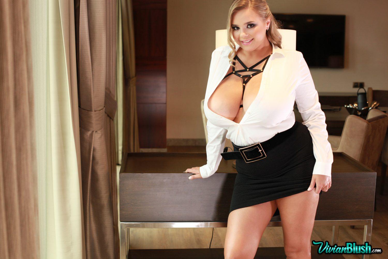 Vivian Blush Topless Premiere