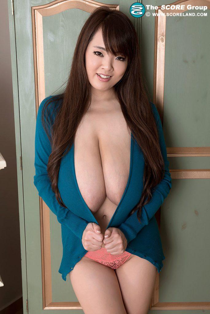 Hitomi Tanaka Sweater Girl Scoreland