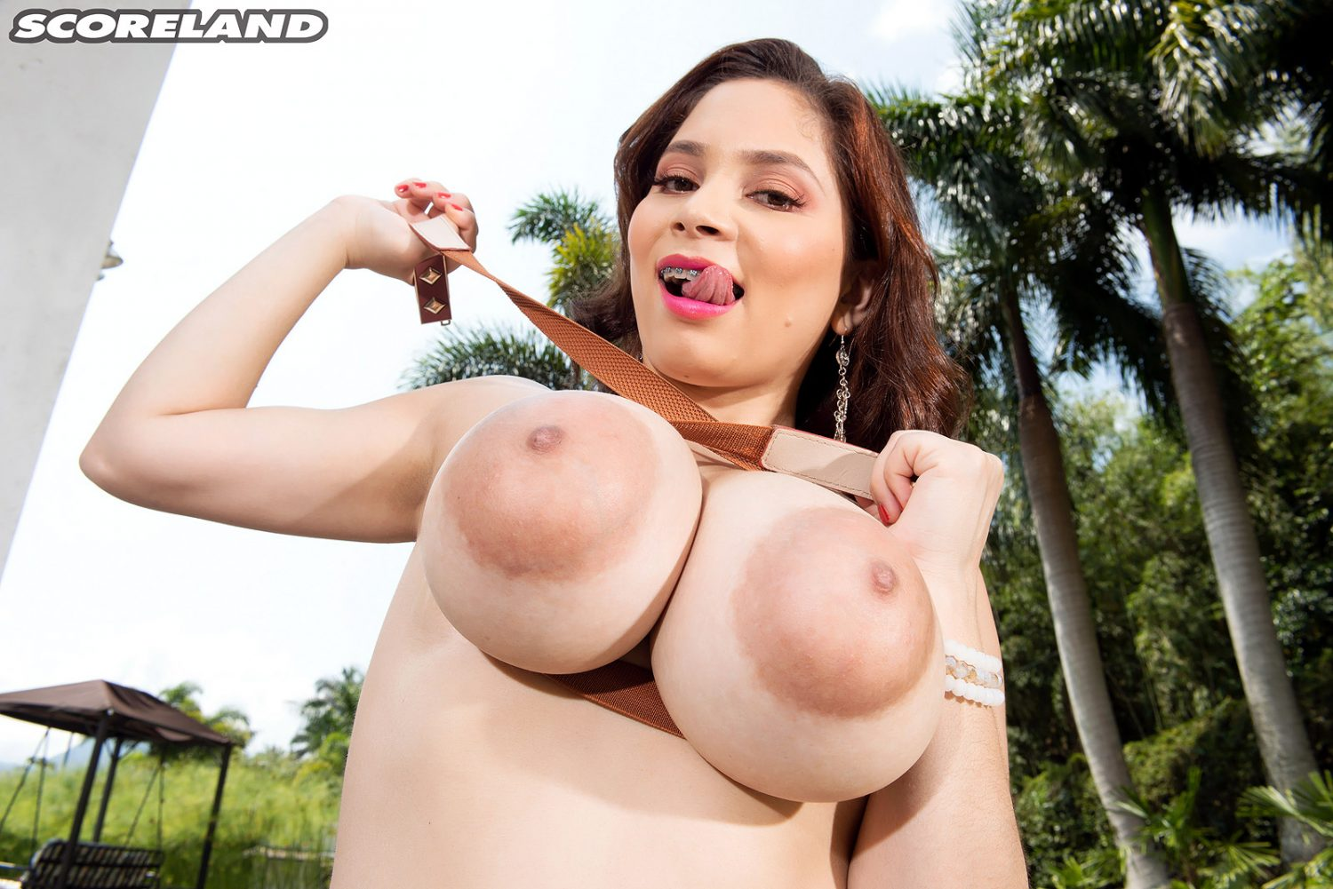 Kim Velez Braces For Big Tit Fun In The Country Scoreland