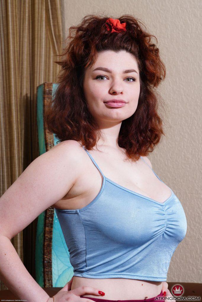 Anabel Redd Busty Redhead AMKingdom