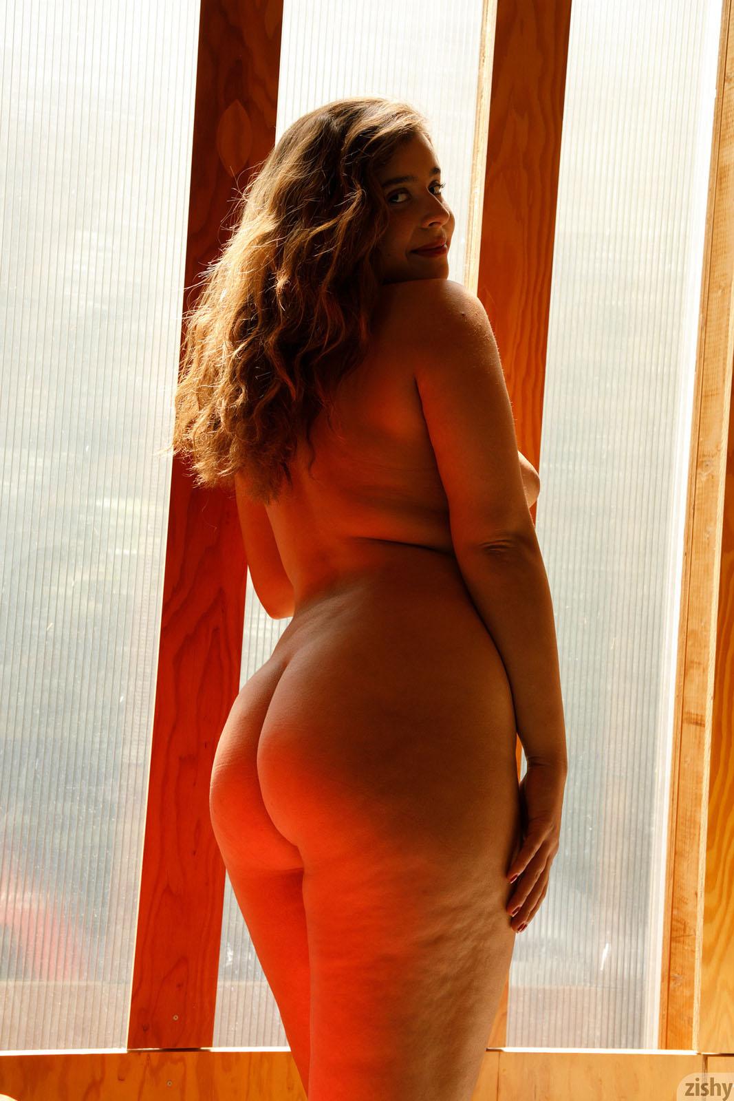lj-reyes-hot-naked-photos